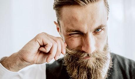 come far crescere i baffi e consigli sulla cura dei baffi