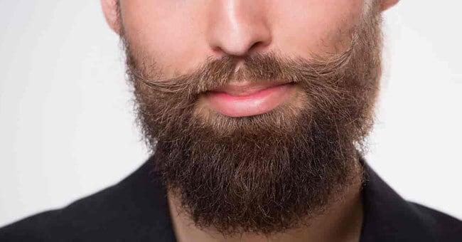 Effetti benefici dell'olio di ricino sulla barba